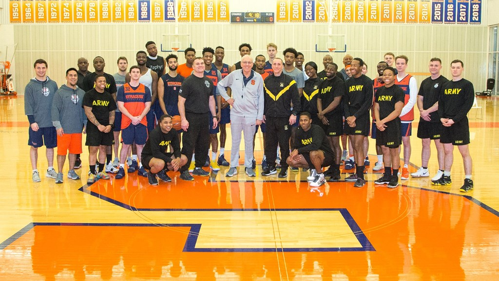 Men S Basketball Hosts Ft Drum Soldiers At Practice Syracuse